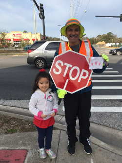 5 Year-Old Alejandra thanks school crossing guard Arturo